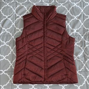 Never worn maroon North Face vest